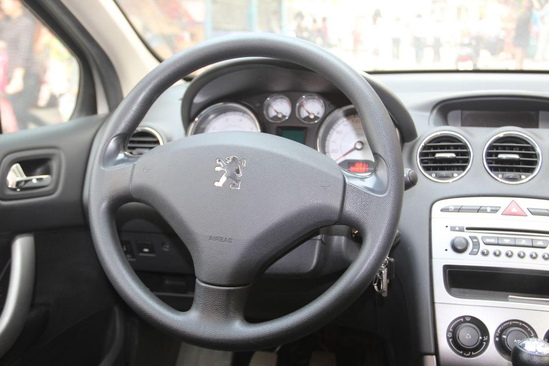 标致-408 2010款 2.0l 手动舒适版