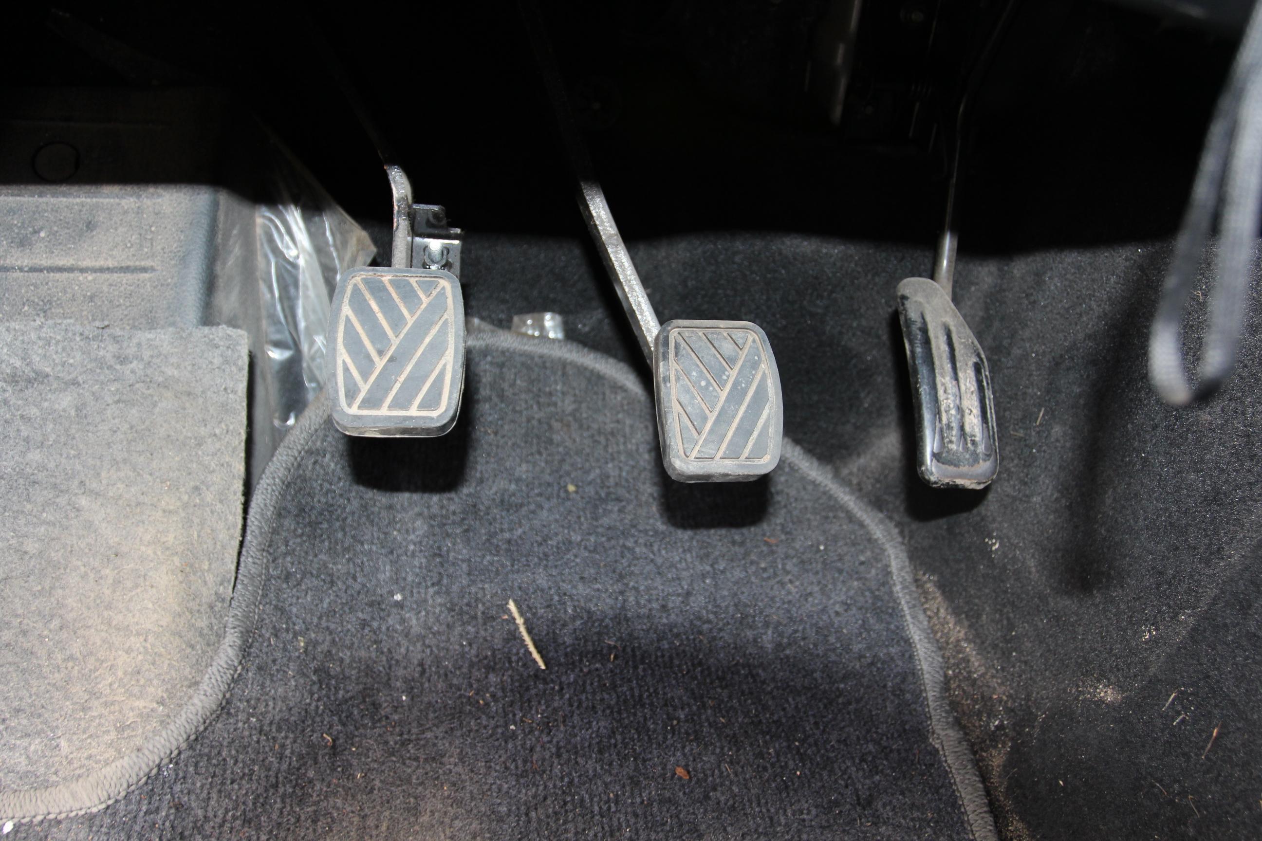 汽车油门结构图