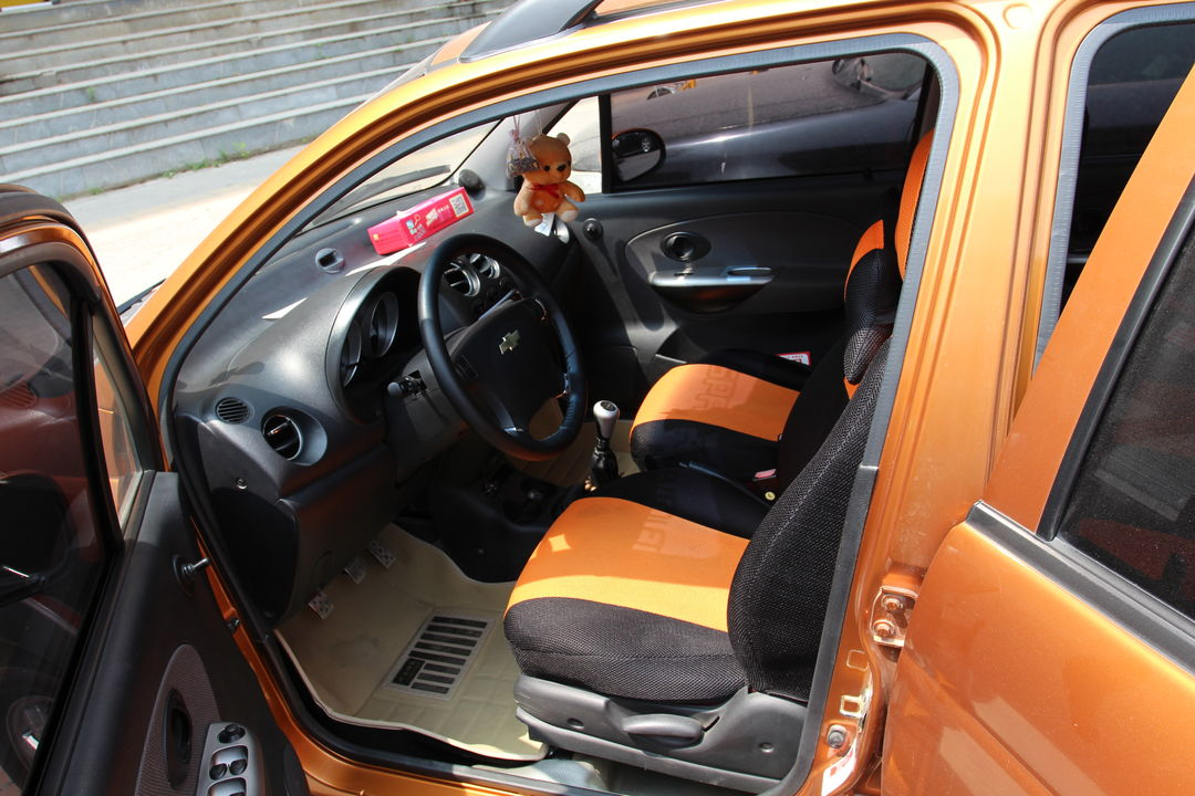 雪佛兰-乐驰2010款 1.2l 手动 运动版活力型图片