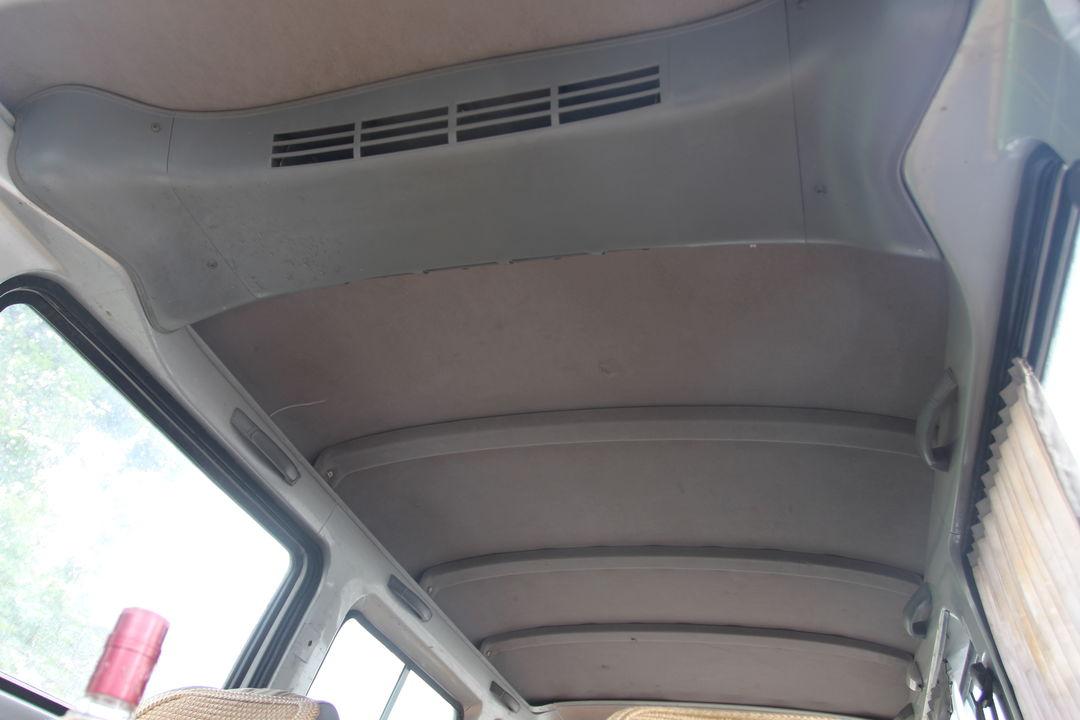 上汽通用-五菱荣光 2012款 1.5l 手动 加长标准型
