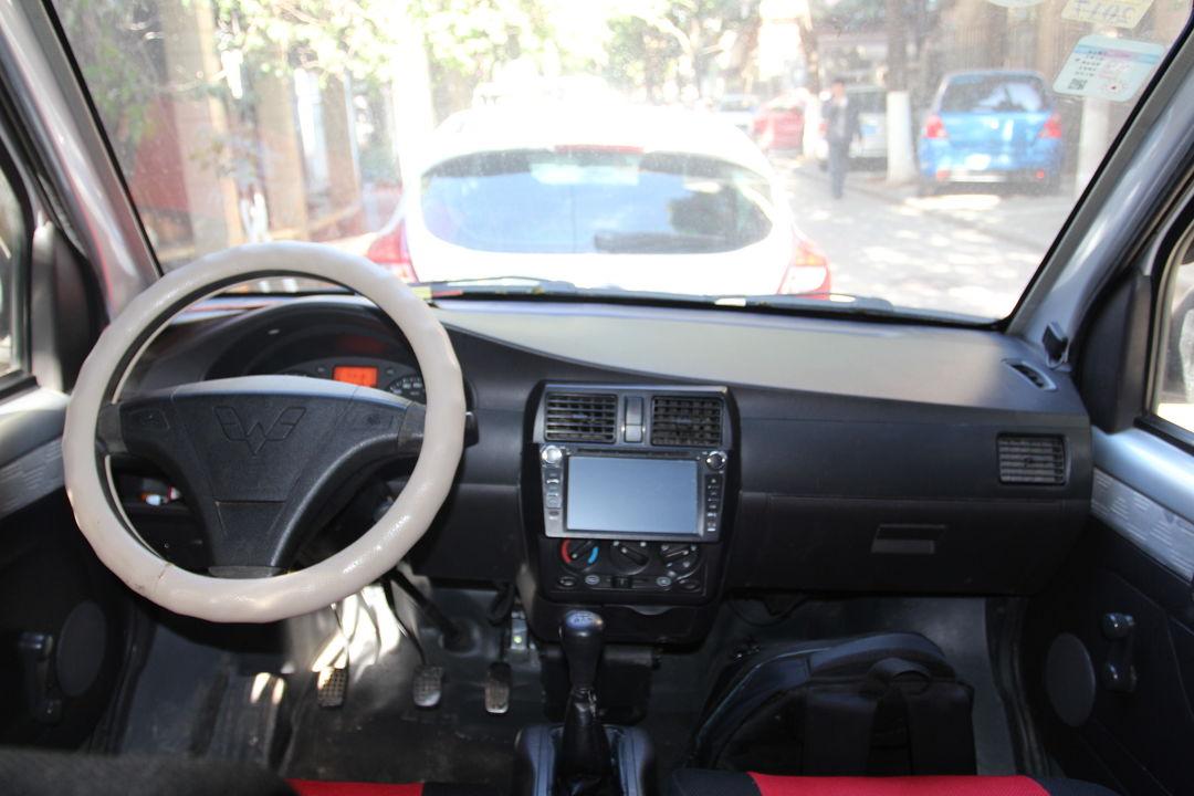 五菱汽车-五菱荣光 2011款 1.2l 基本型
