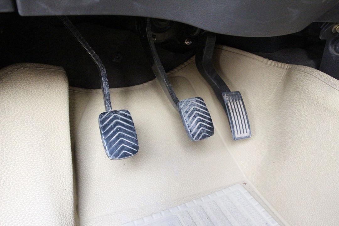 五菱汽车-五菱宏光 2015款 1.5l s 基本型