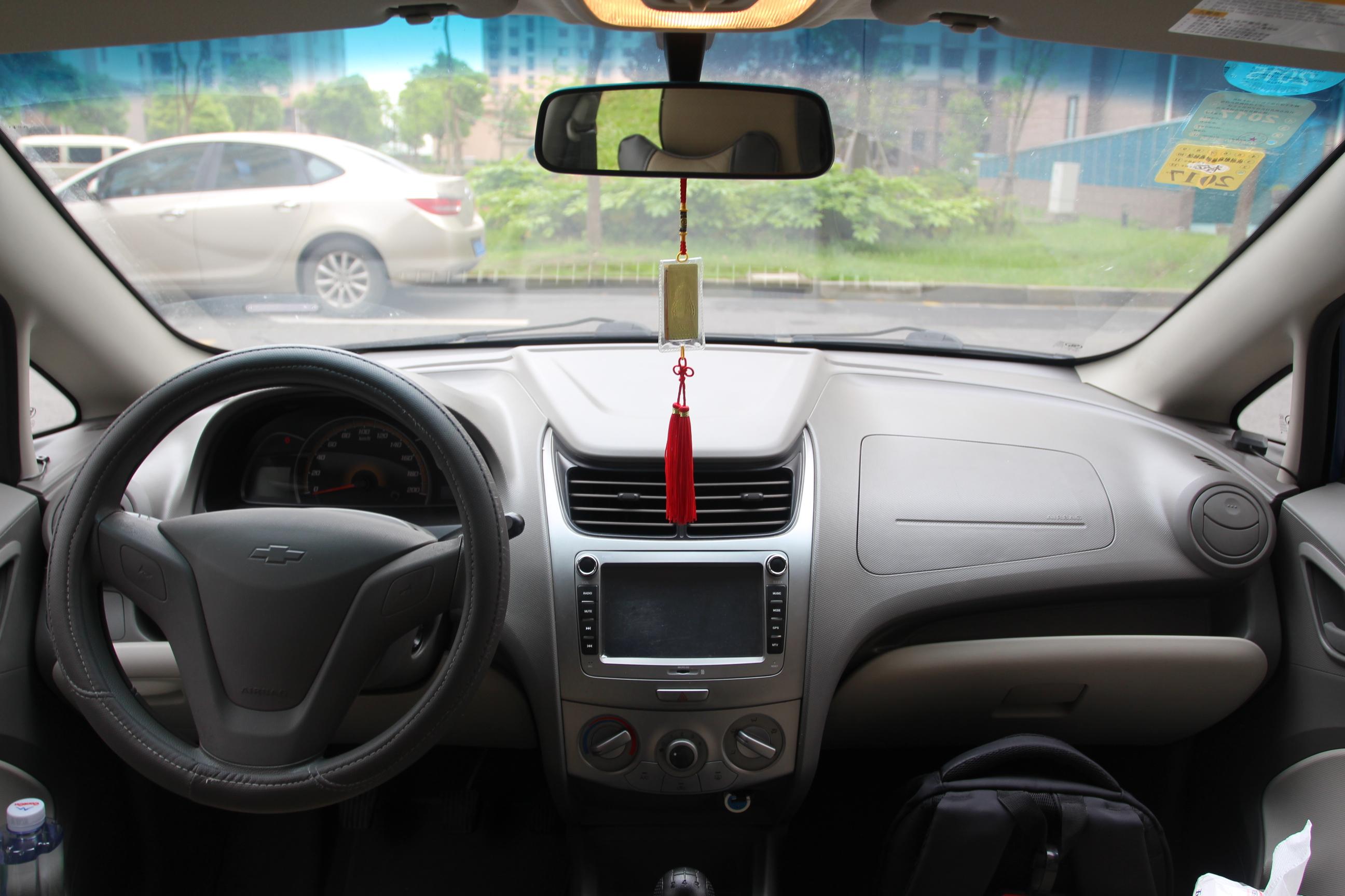 雪佛兰-赛欧 2013款 三厢 1.2l 手动时尚版