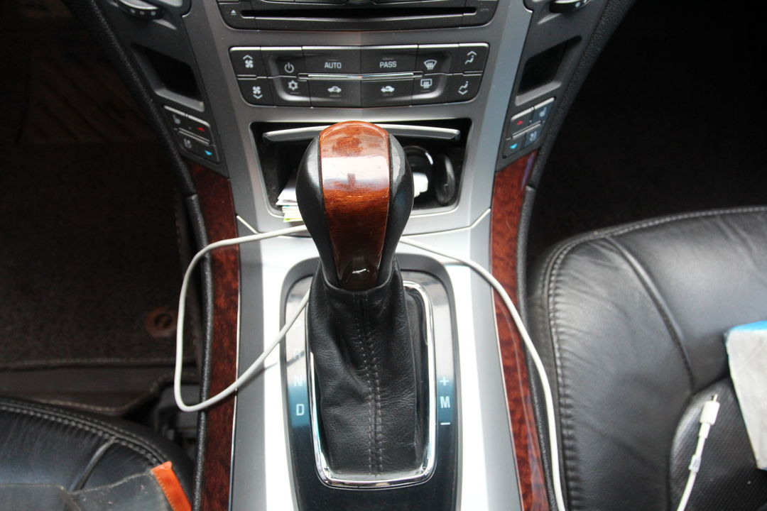 凯迪拉克-cts(进口) 2010款 3.0豪华运动版
