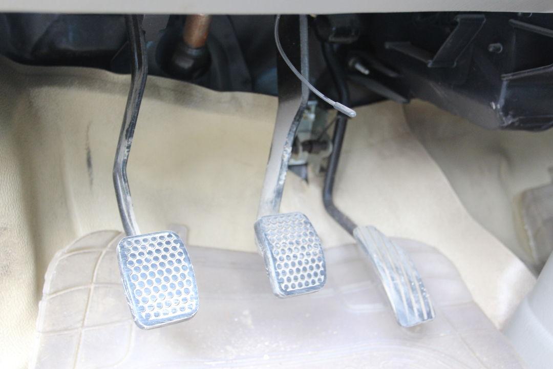 铃木-北斗星 2011款 1.4l 手动标准2型