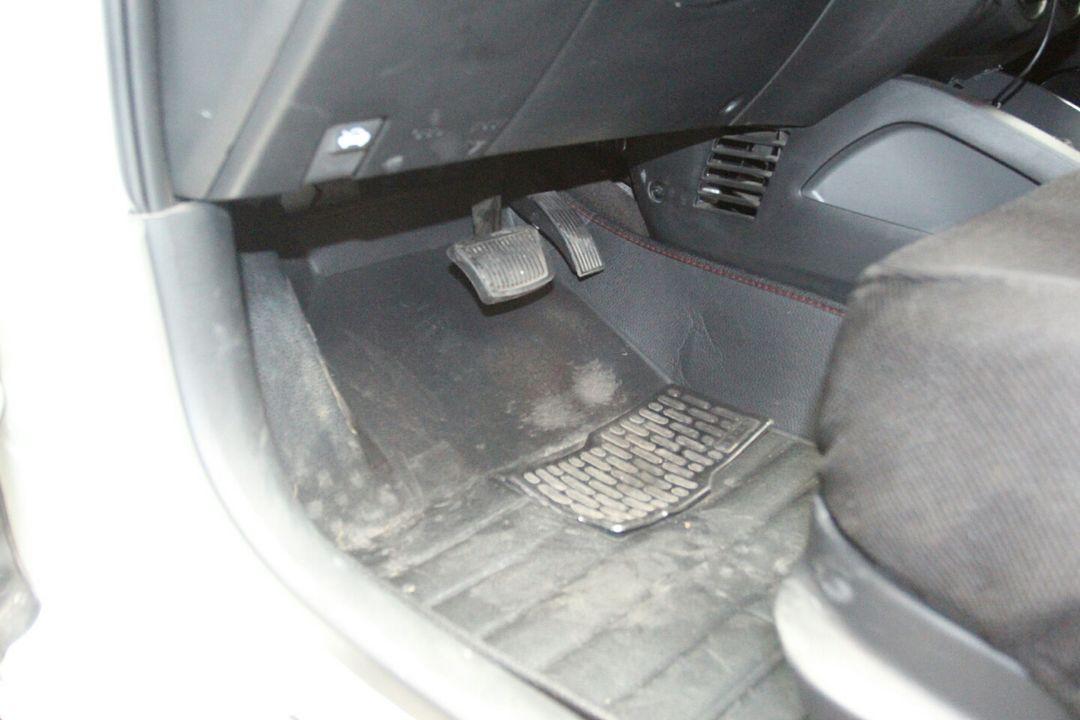 车身局部喷漆,前保险杠,发动机舱盖表面,右前大灯,左前大灯,水箱,冷凝