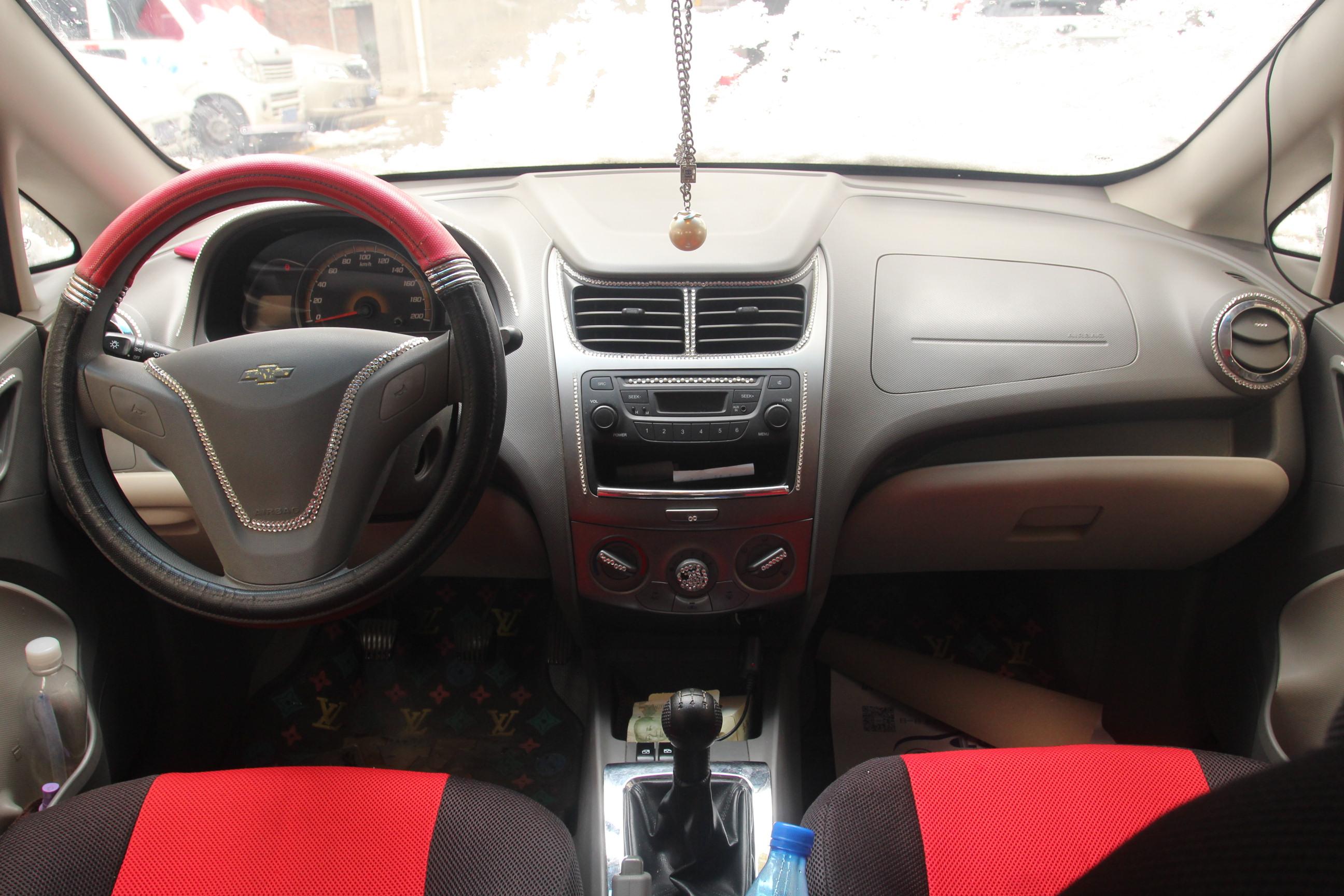 雪佛兰-赛欧 2010款 三厢 1.2l 手动时尚版