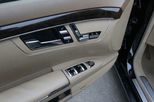 奔驰e200车内按键图解