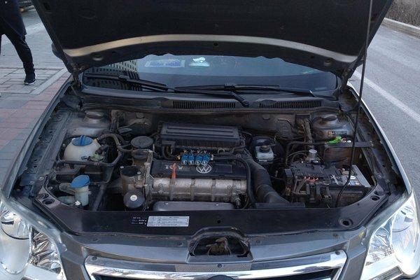 6l 自动舒适型(改装天然气) 发布时间:2018-01-02 15:38:13  发动机舱图片
