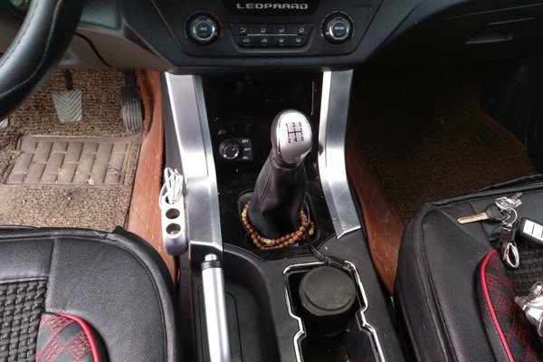 猎豹汽车-q6 2015款 2.4l 四驱卓越型