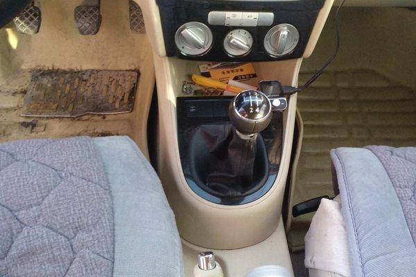 密封胶条 :   密封胶条无老化 内饰-中控 :   车辆安全指示灯,被动图片