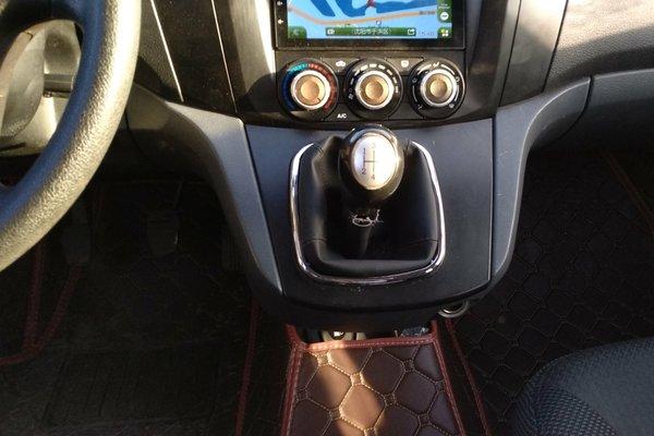 车身内饰干净整洁 车内顶棚 :   无烟熏痕迹,电控开关使用正常 仪表盘