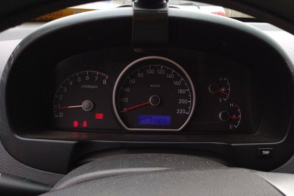 现代-悦动 2011款 1.6l 自动舒适型