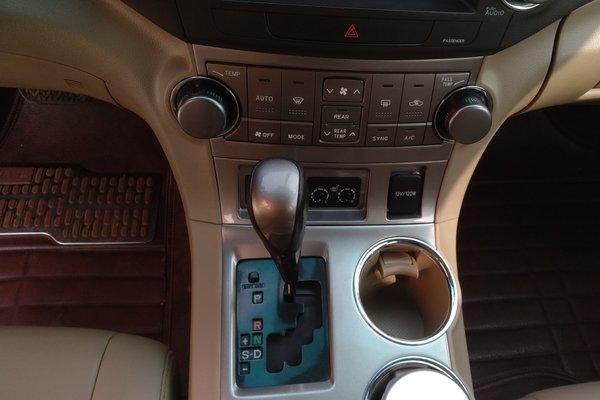丰田-汉兰达 2012款 2.7l 两驱7座豪华导航版