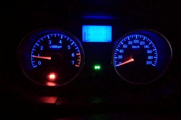 金杯汽车仪表盘指示灯图解