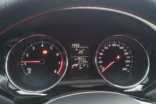 6l 手动舒适型 发布时间:2018-10-29 19:02:47  仪表盘 :   表显行驶