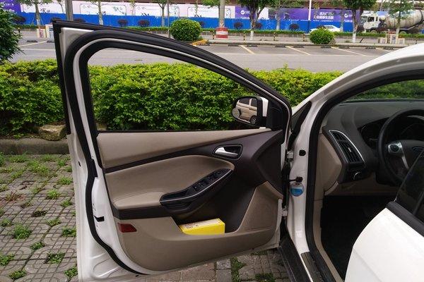 _深圳二手福克斯 2012款 三厢 1.6l 自动风尚型