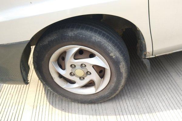 _合肥二手瑞风 2008款 2.0l穿梭 汽油 简配单空调型