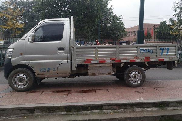 车出售北京二手长胺尚北京二手长安星卡长胺尚-长安星卡2013北京4.0切诺基验车图片