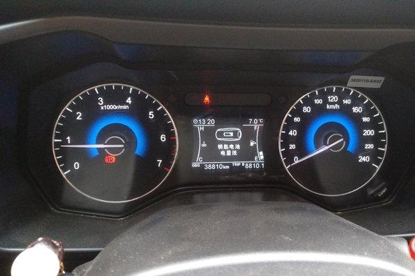 5t 手动豪华型  发布时间:2019-12-15 13:37:03  仪表盘 :   表显行驶